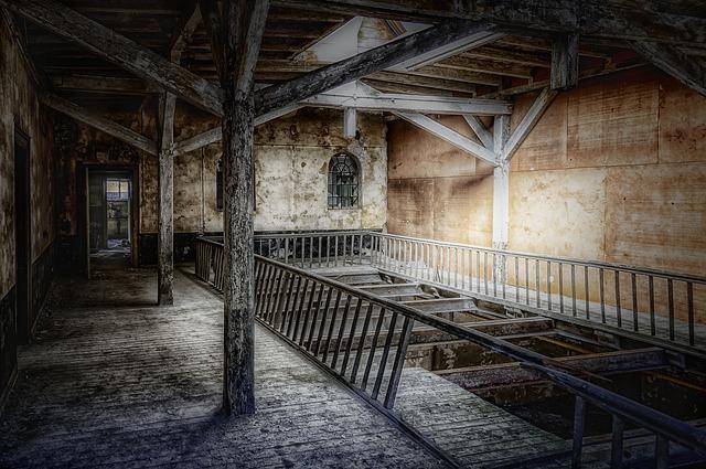 tmavá strašidelná miestnosť.jpg