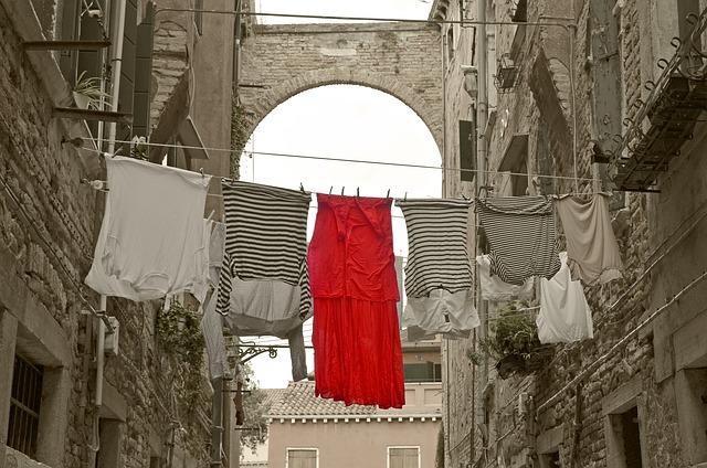 Sušiace sa oblečenie.jpg