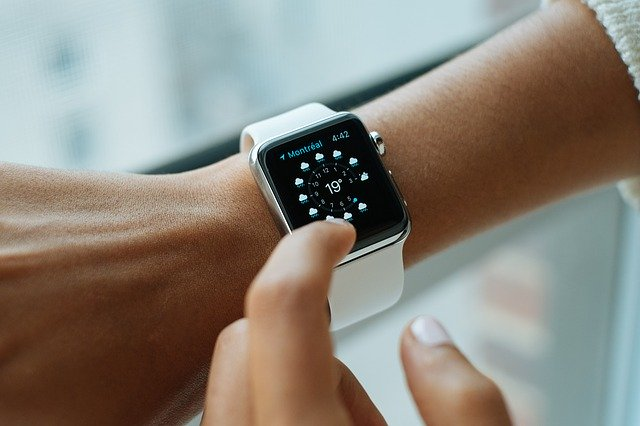 inteligentné hodinky.jpg